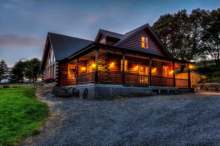 Airbnb Log Cabin Mayo