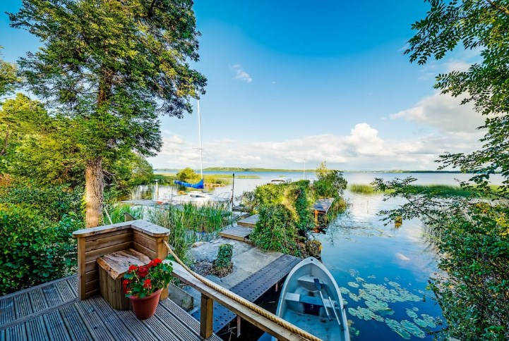 6 Most Romantic Airbnb's in Ireland