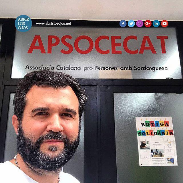 Feliz y apunto de comenzar mi charla en @apsocecatbarcelona en Barcelona, España. . #apsocecat #barcelona #organization #organización #deafblind #catalunia #edbn #charla #abrirlosojos #superación #autoestima #felicidad #talk