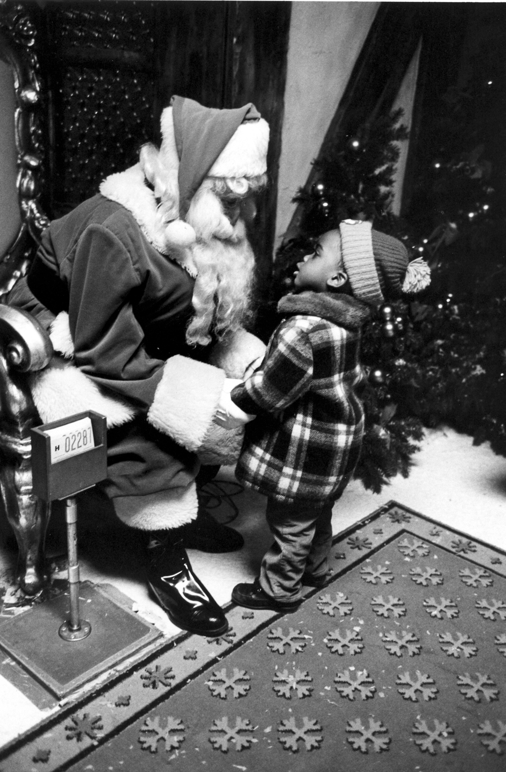 santa&little black boy.jpg