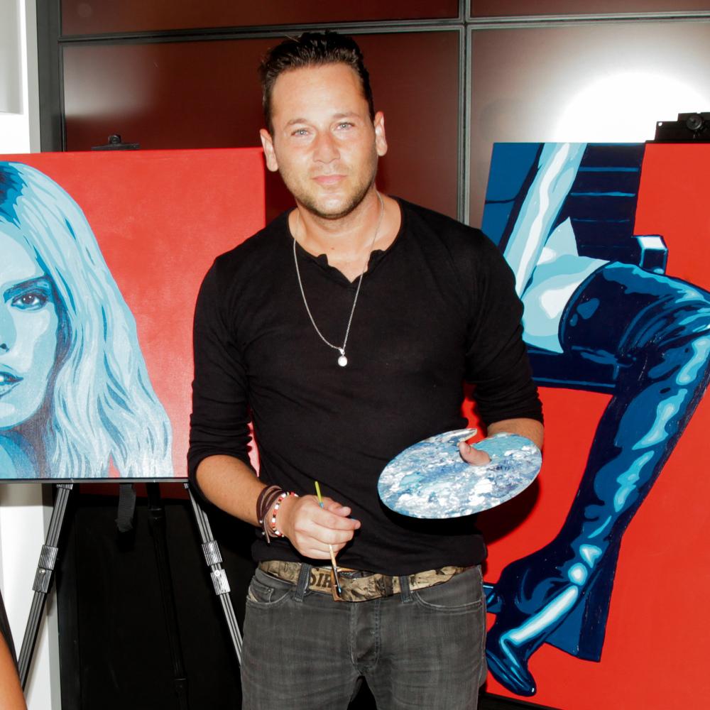 Artist Jeremy Penn painting Alessandra Ambrosio
