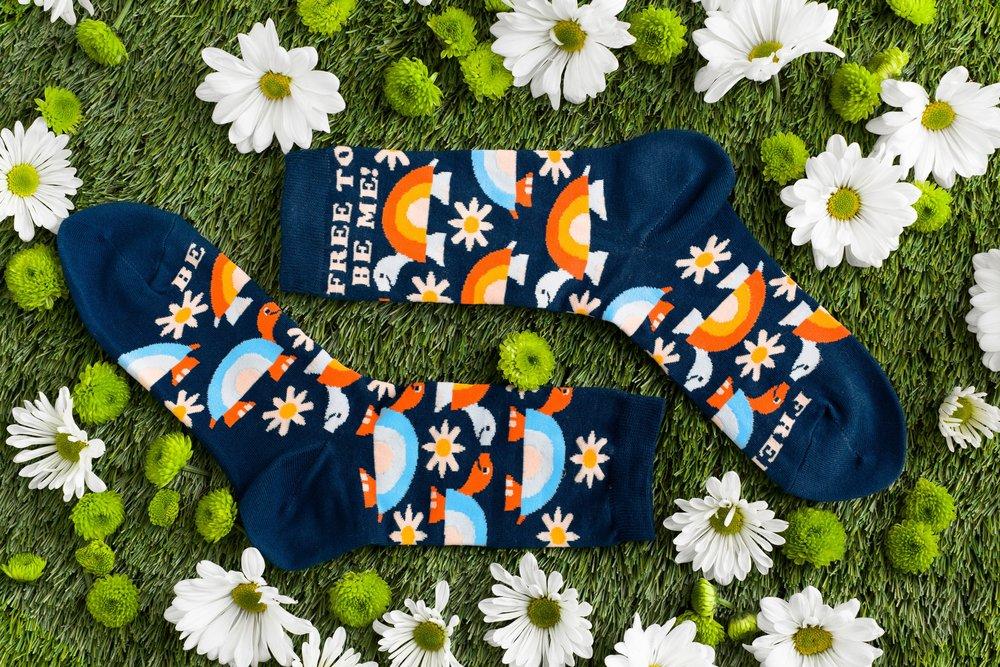 yow_socks_flowers_01.jpg
