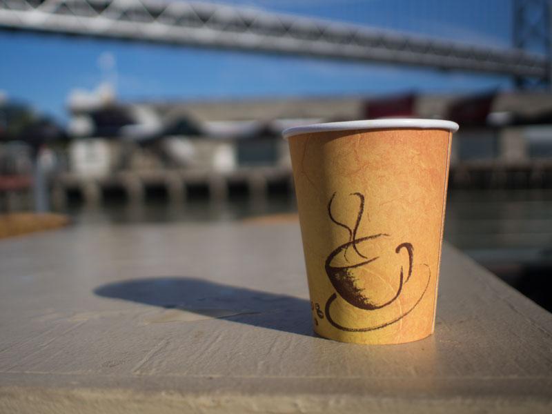 D117_CoffeeAndBridge