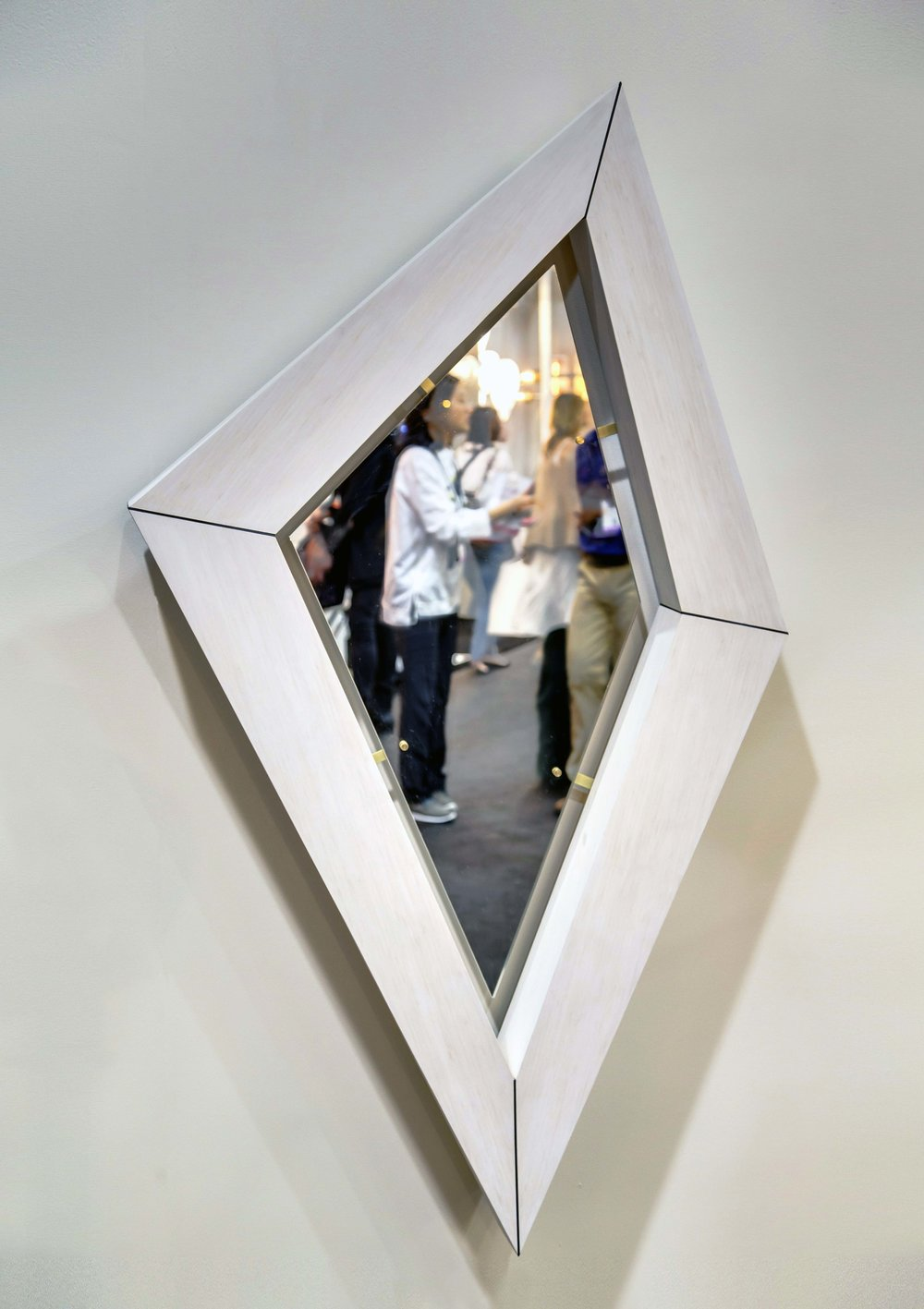 Diamond Illuminate Mirror