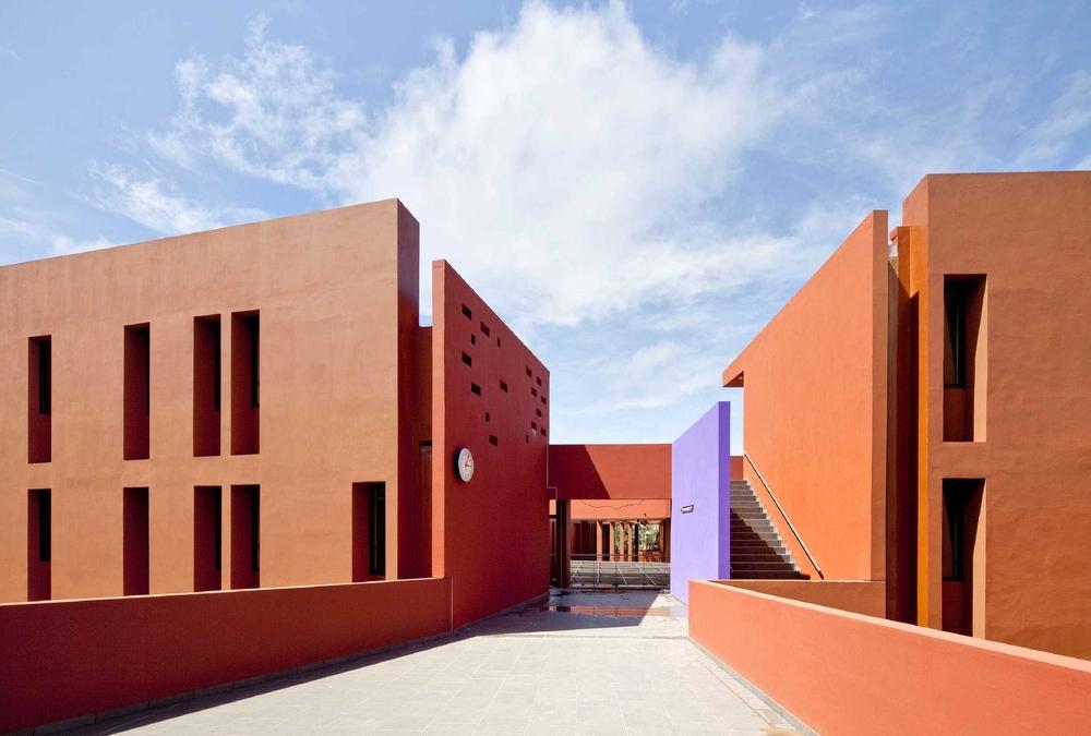 Lycée français Jean Mermoz de Dakar réalisé par l'agence Terreneuve et Adam Yédid.