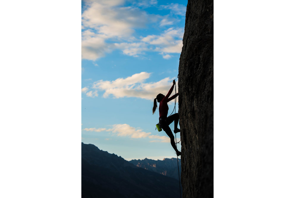 Climbing sillouhette horizontal.jpg
