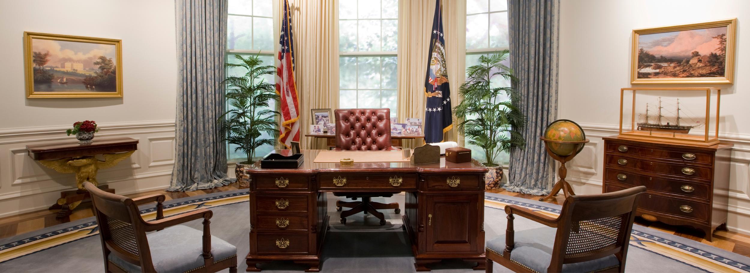 Kennedy oval office desk