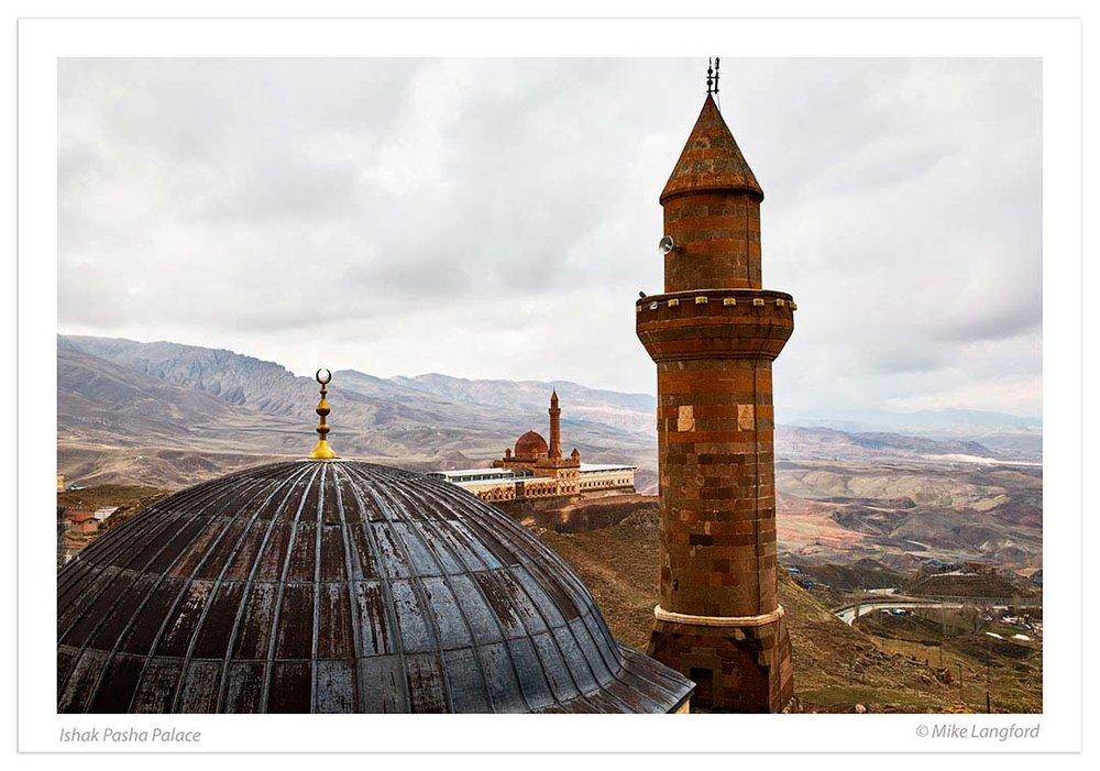 Ishak-Pasha-Palace.jpg