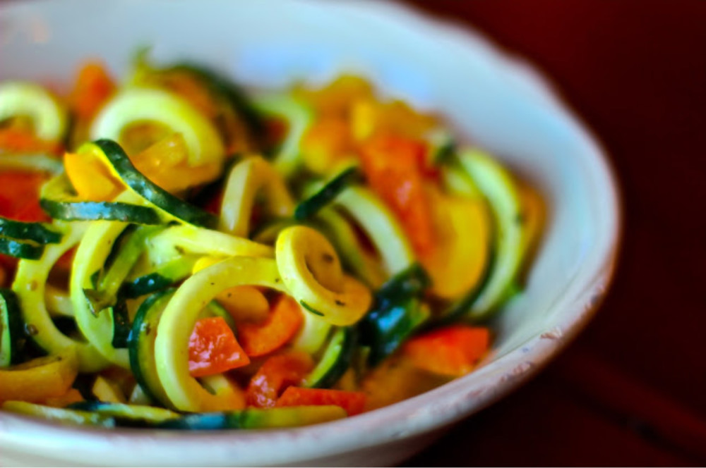 zucchini-noodle-salad-e1387588186172.jpg