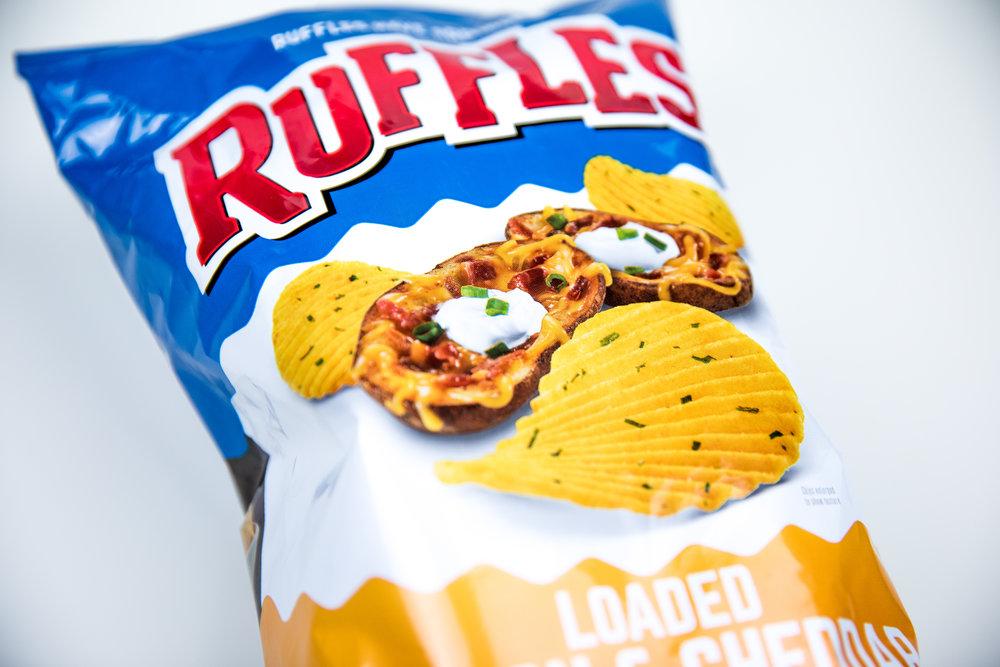 snackface-snack-break-ruffles-bacon-cheddar-review.jpg