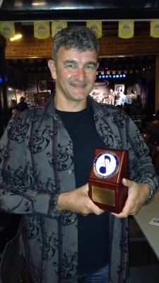 Brendan with his Tamworth award