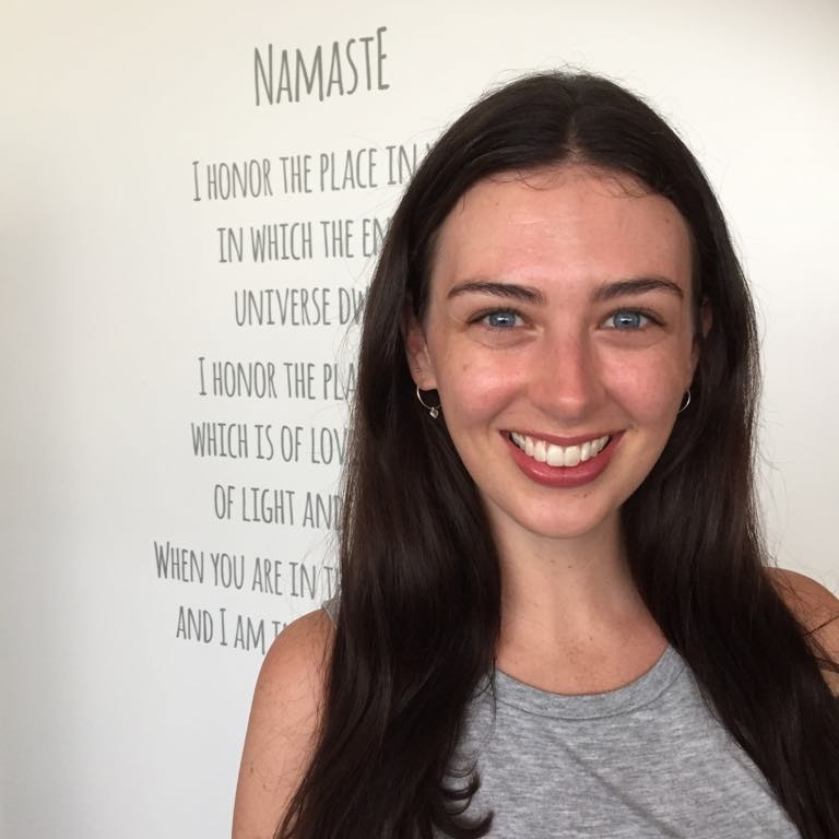 FRANCESCA LYON-  RYT 200  Jayayoga   Francesca started her yoga journey 10 years ago, exploring different types of yoga to help to cope with stress, and found that it ended up completely changing her life. After training with Jayayoga in 2016, she taught at various studios in Auckland, before moving to Amsterdam to continue teaching yoga and studying Natural Medicine.  Francesca hopes to share her classes that are focused on unifying your breath and movement in order to unite the mind and body, leaving you feeling balanced, restored and energized. With her background in psychology, reiki and natural medicine, Francesca aims to draw on a range of different teachings in order to provide a well rounded and nourishing class. Her classes provide a space for you to practice compassion to yourself in a safe and sustainable way.