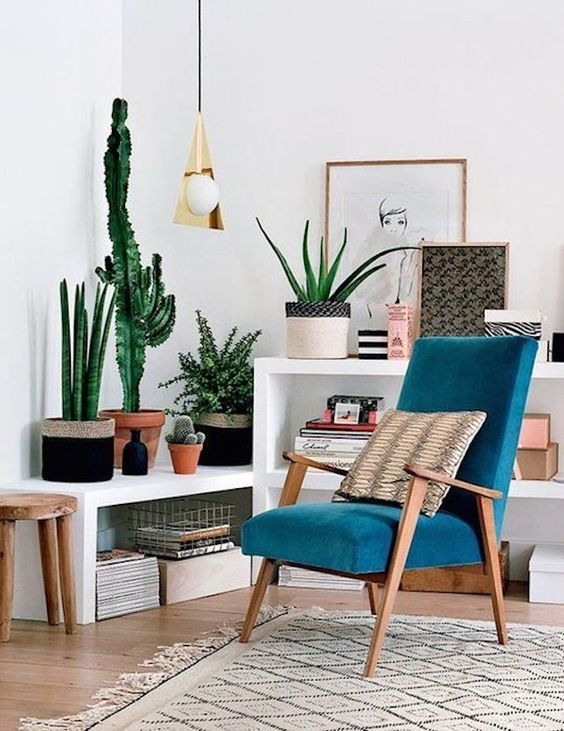 Teal Chair with Wooden Legs.jpg
