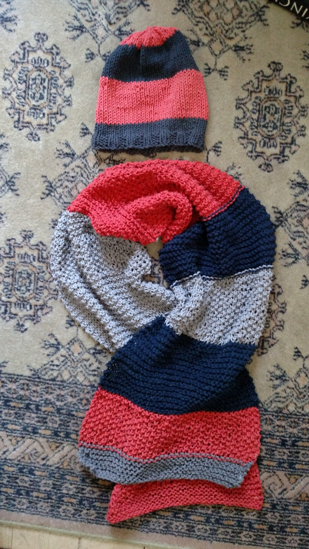 scarf + hat set.jpg