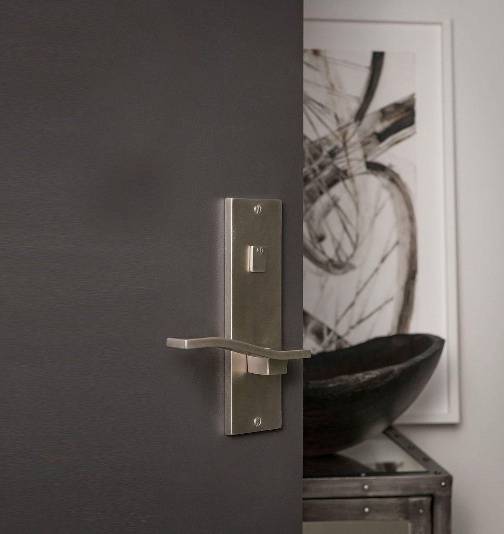 CLB-Interior-Showroom-126-Edit-_8-BIT-300DPI-WIDE-OPT.jpg