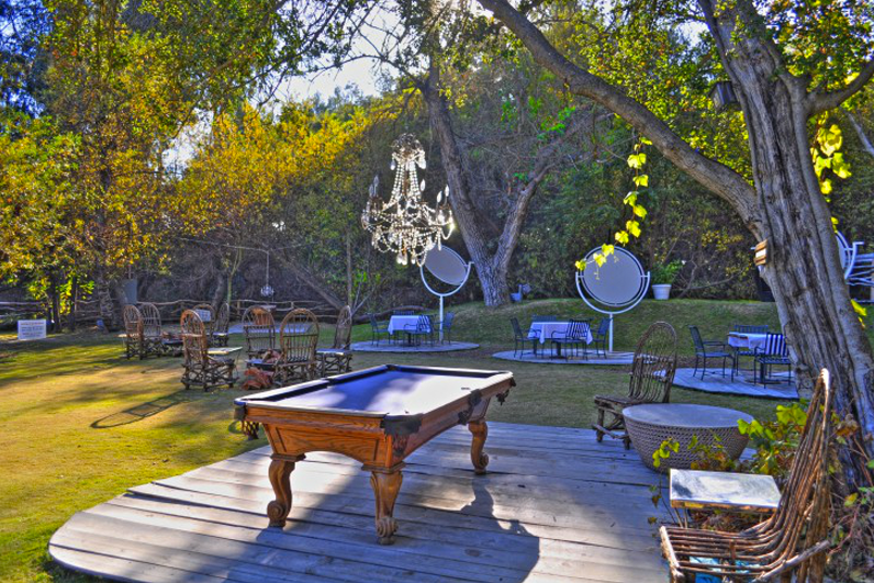 Outdoor Pool Table.png