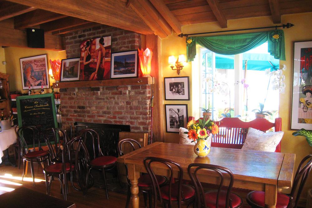 Cafe Chez Marie 1.jpg