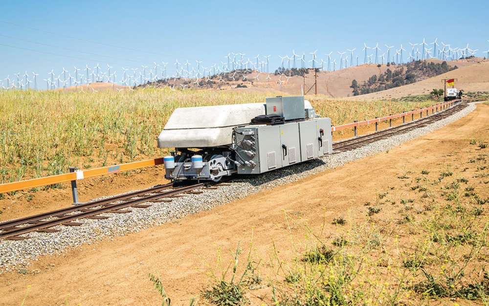 The energy-storage train discussed below (1/4 scale).