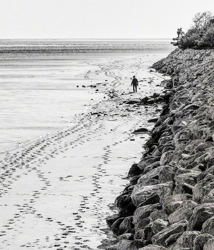 """""""Walking Morris'' (limited-edition AluminArte print), by Bobby Baker. (Copyright Bobby Baker Fine Art Photography). He refers to Morris Island Beach, in Chatham on Cape Cod."""