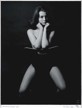Lewis Morley 's 1963 portrait of Christine Keeler