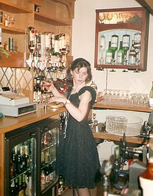 barmaid.jpg