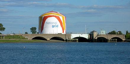 440px-Boston_gas_tank.JPG