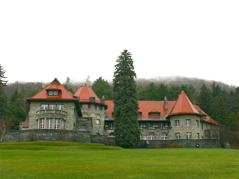 The Everett Mansion at Southern Vermont College, in the beautiful college town of Bennington, also site of a Revolutionary War battle. See more information below.