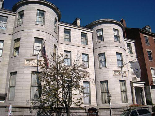 The august Somerset Ciub, at 42-43 Beacon St., Boston.