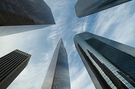 Skyscraper_Los_Angeles_Downtown_2013.jpg