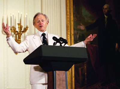 Tom Wolfe at the White House in 2004.