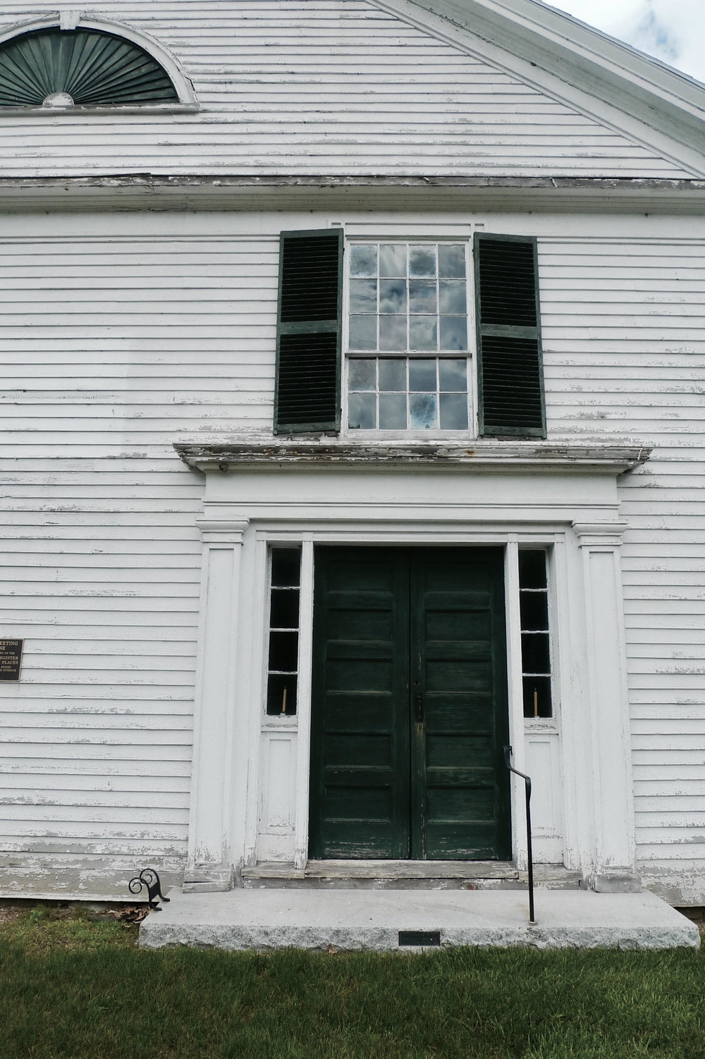 The Union Church, built in 1840, is a conservative mix of the late Georgian and Greek revival styles.
