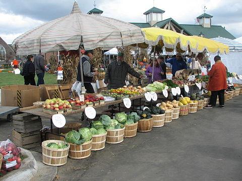 Farmers_and_Artisans_Market_at_Farmington_-_Michigan.jpg