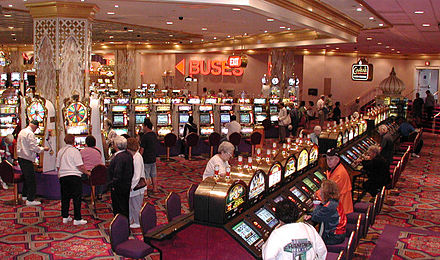 440px-Casino_slots2.jpg
