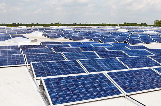 Photovoltaik_Dachanlage_Hannover_-_Schwarze_Heide_-_1_MW (1).jpg