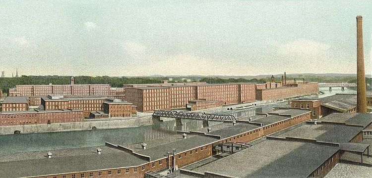 The Amoskeag Manufacturing Co's mills, on the Merrimack, in 1911. Most of the structures are still there, put to a wide variety of uses. At its height, Amoskeag was the largest cotton textile factory in the world.