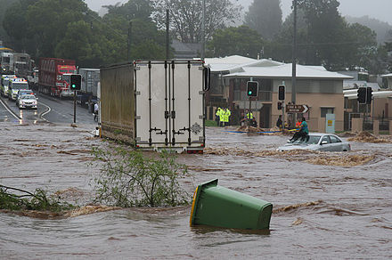 440px-Trapped_woman_on_a_car_roof_during_flash_flooding_in_Toowoomba_2.jpg