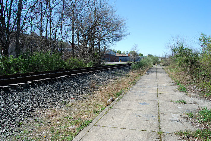 The now-derelict place where the proposed Fall River MBTA station would go.