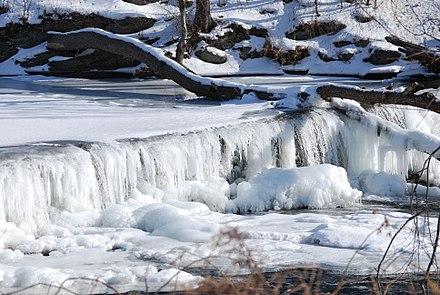 440px-Frozen_Wappinger_Creek.JPG