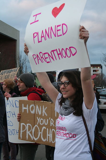 Planned_parenthood_supporters.jpg