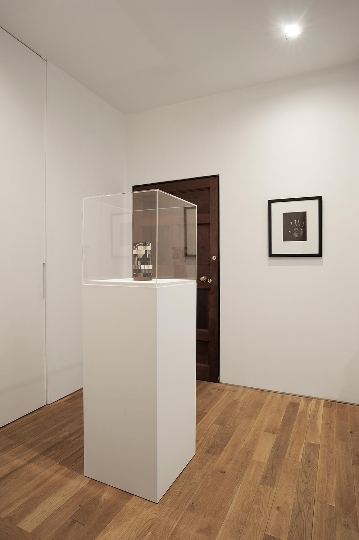 Sunless , Thomas Dane Gallery, London, United Kingdom, 2010.    Robert Heinecken and Jay DeFeo