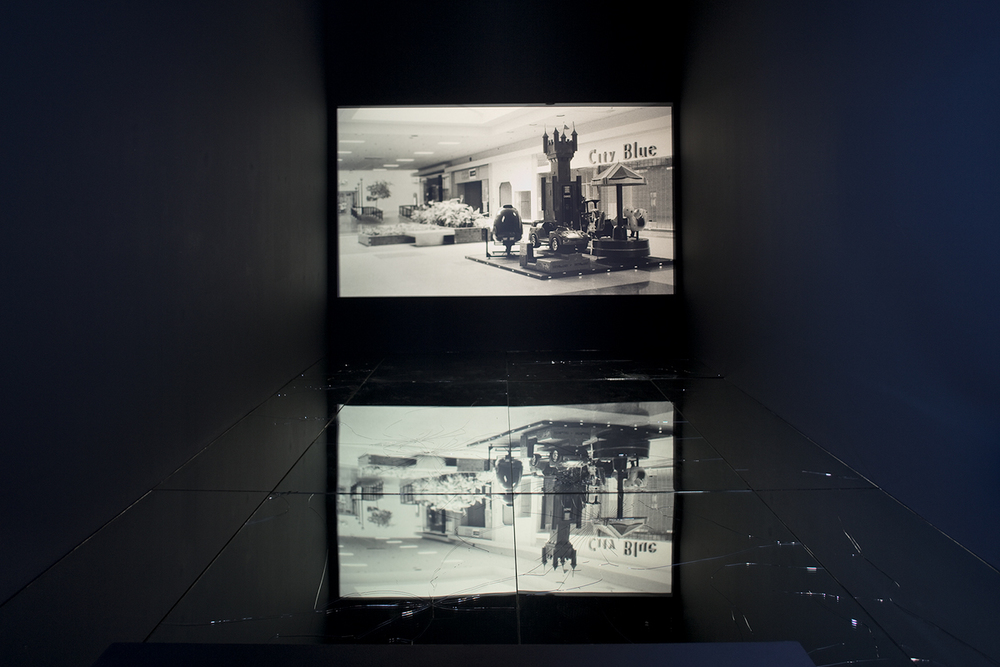 American Passages, 2001–    2009   Set of 180 images on analog slides shown via slide projection,35mm slides, dual projection with dissolve unit  Dimensions variable   American Passages, 2009–
