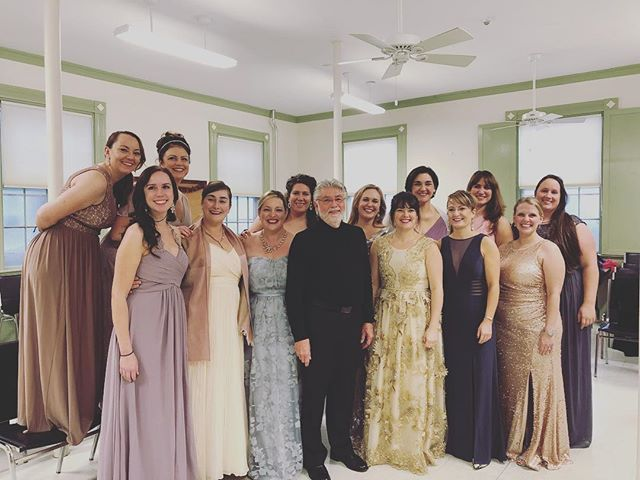 The women of Lyricora and their Maestro #singersbelike