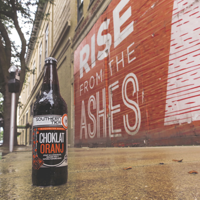 Southern Tier's world-class Choklat Orange is an imperial stout brewed with generous amounts of chocolate and orange peel. Beautiful in both look and taste, this beer is one that everyone must try.
