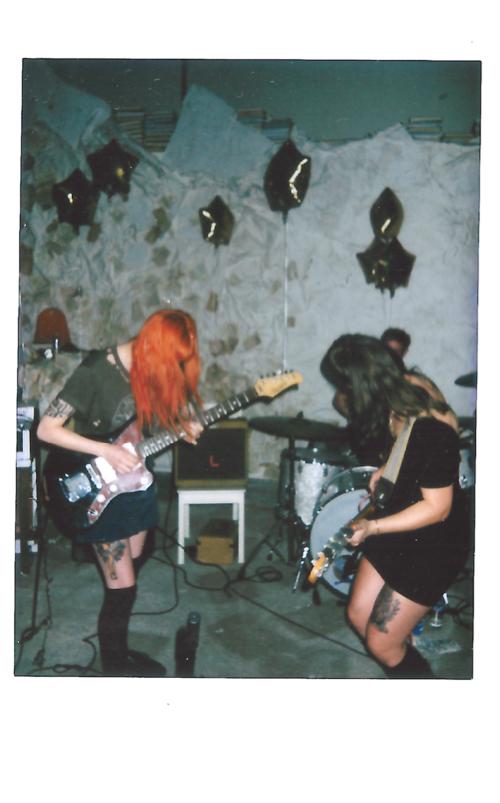 MUSIC: POLAROIDS // FEELS