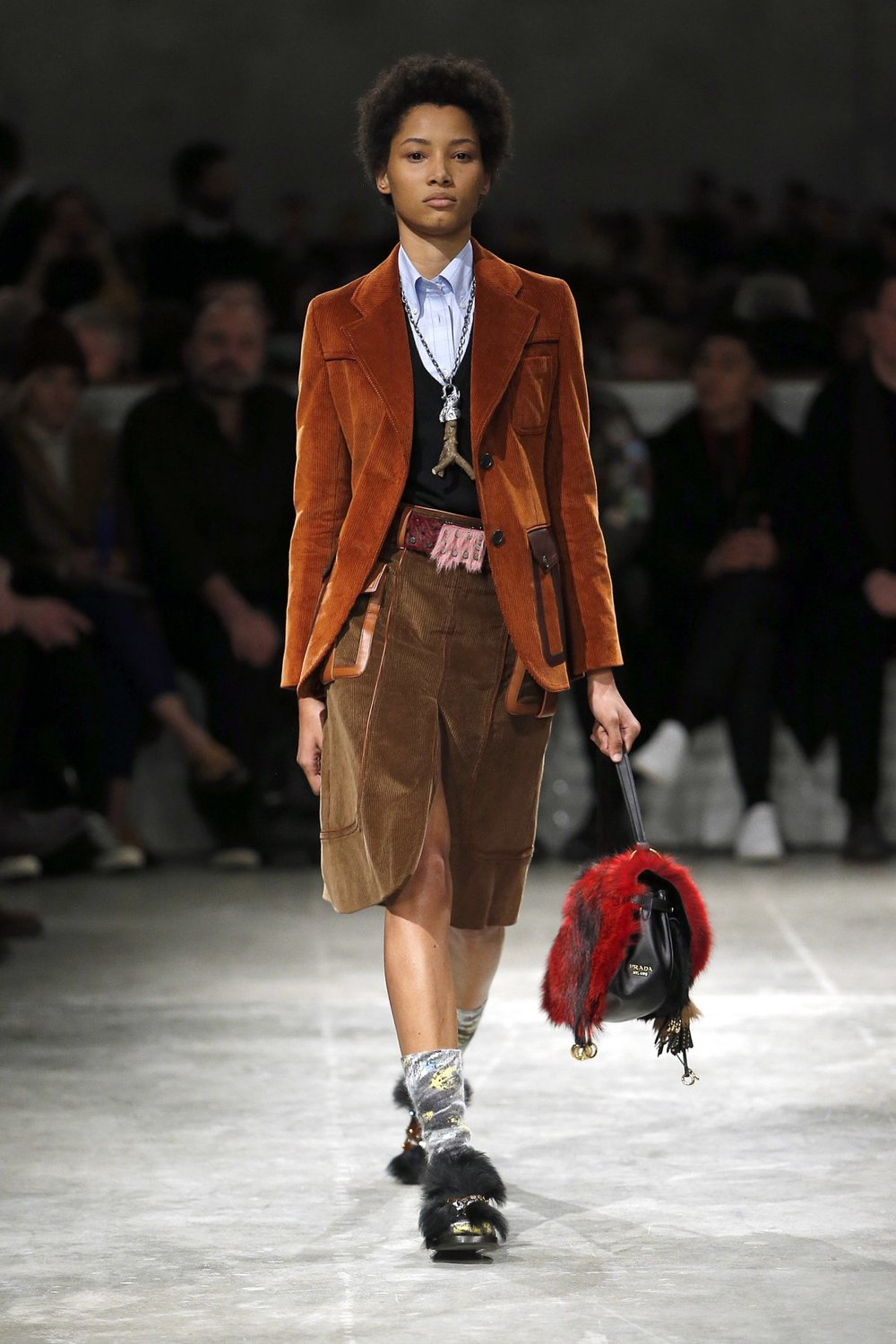 prada_look_16_2017_aw_mens.jpeg