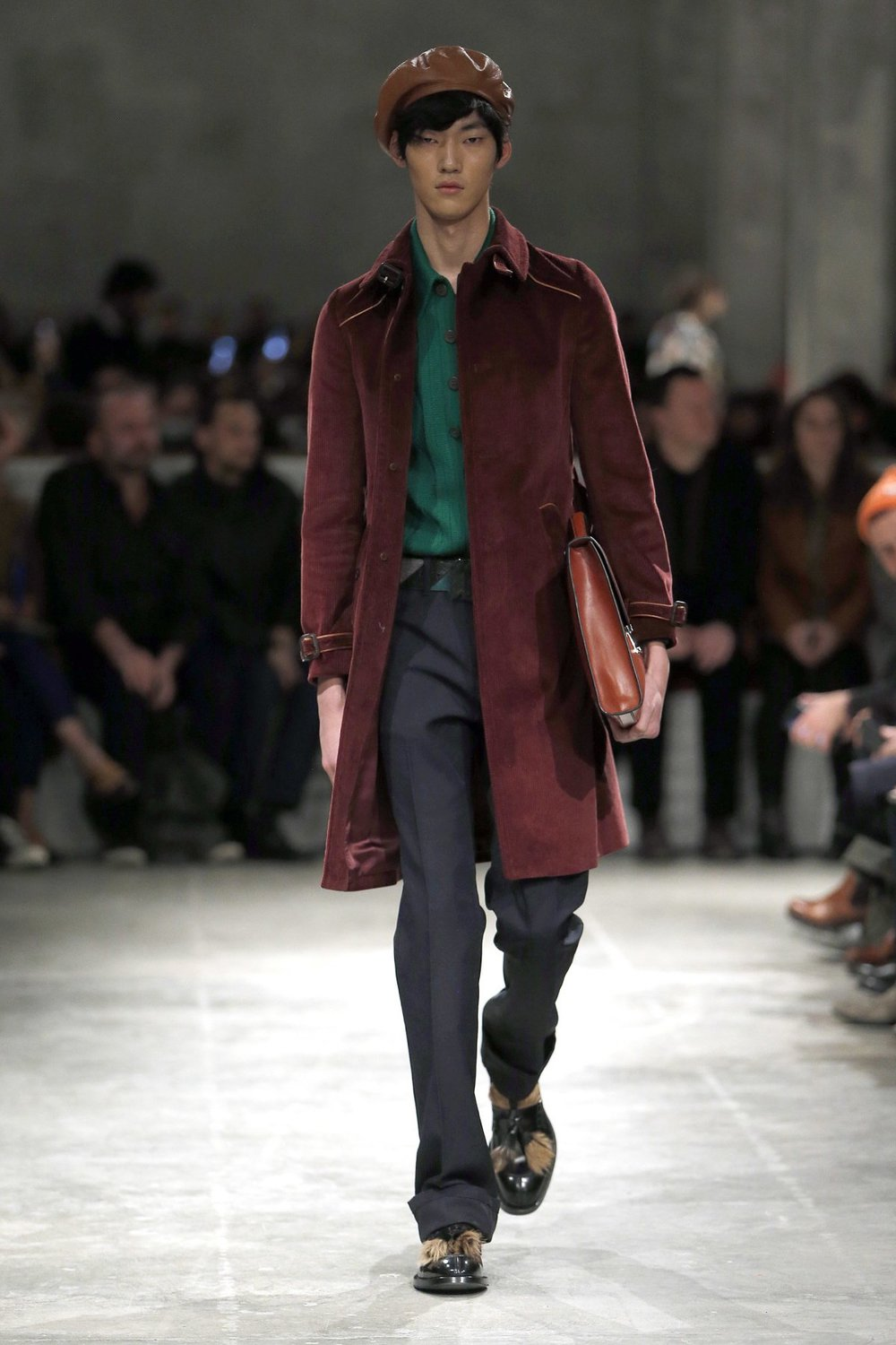 prada_look_22_2017_aw_mens.jpeg