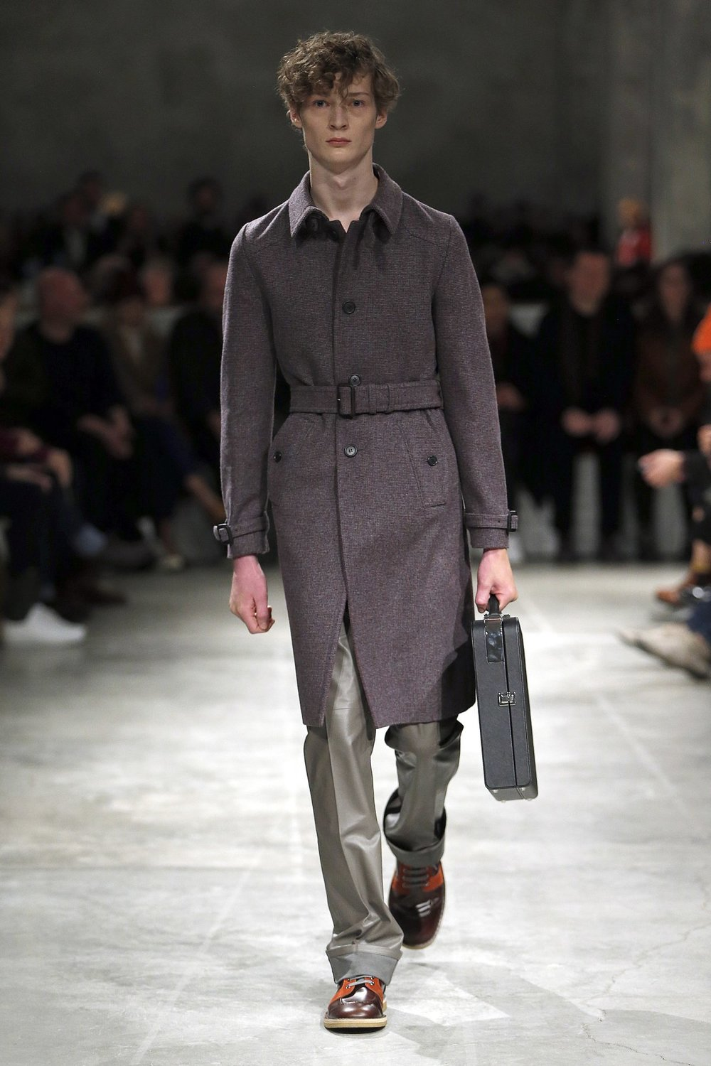prada_look_46_2017_aw_mens.jpeg