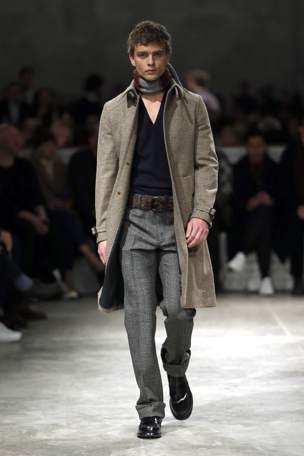 prada_look_48_2017_aw_mens.jpeg