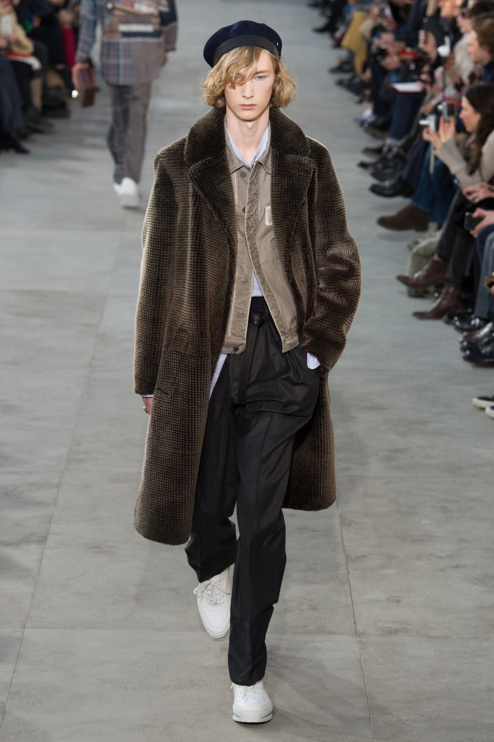 louis_vuitton_look_22_2017_aw_mens.jpeg
