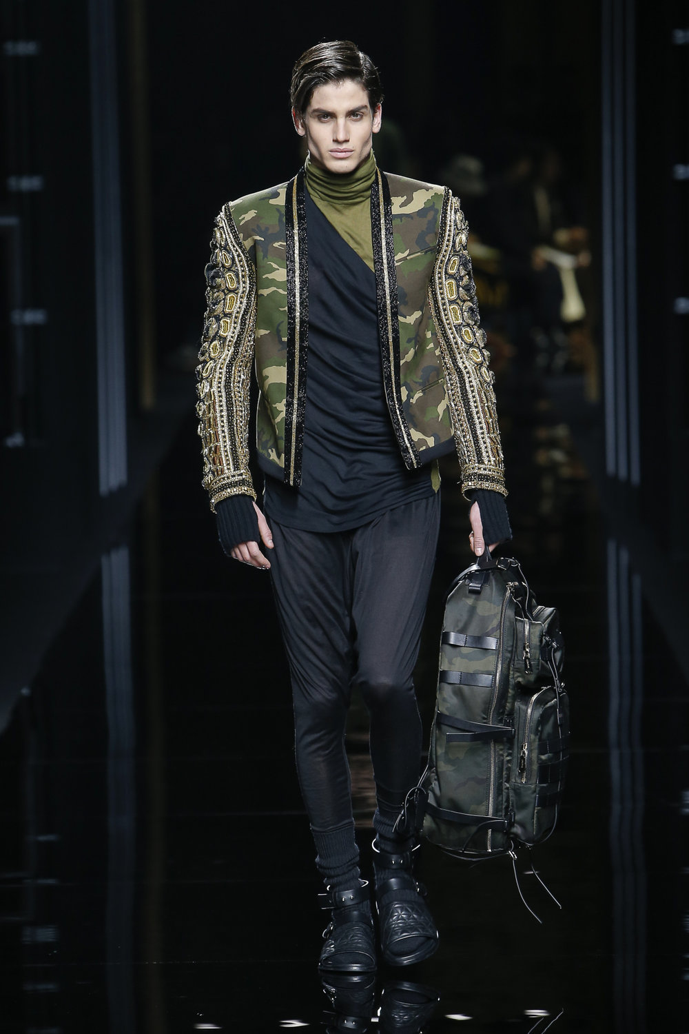 balmain_look_1_2017_aw_mens.jpeg